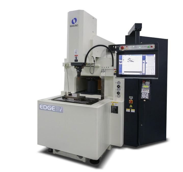 いくつかのより高度な機械と設備が本社に持ち込まれています